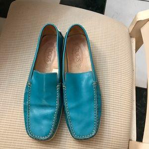 Tod's women's driving shoes aqua size 10